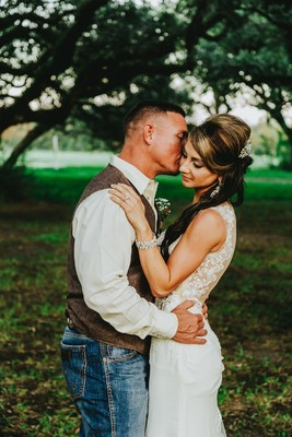 A Rustic Texas Vineyard Wedding That's All Country