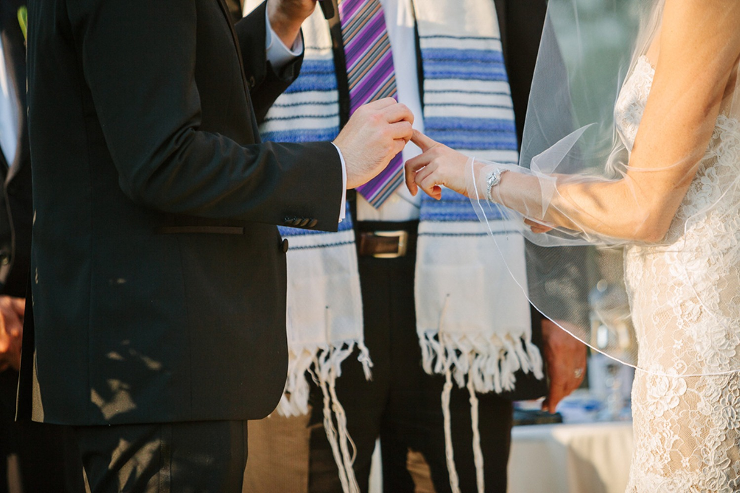 How To Choose Your Vendors For Your Wedding Abroad