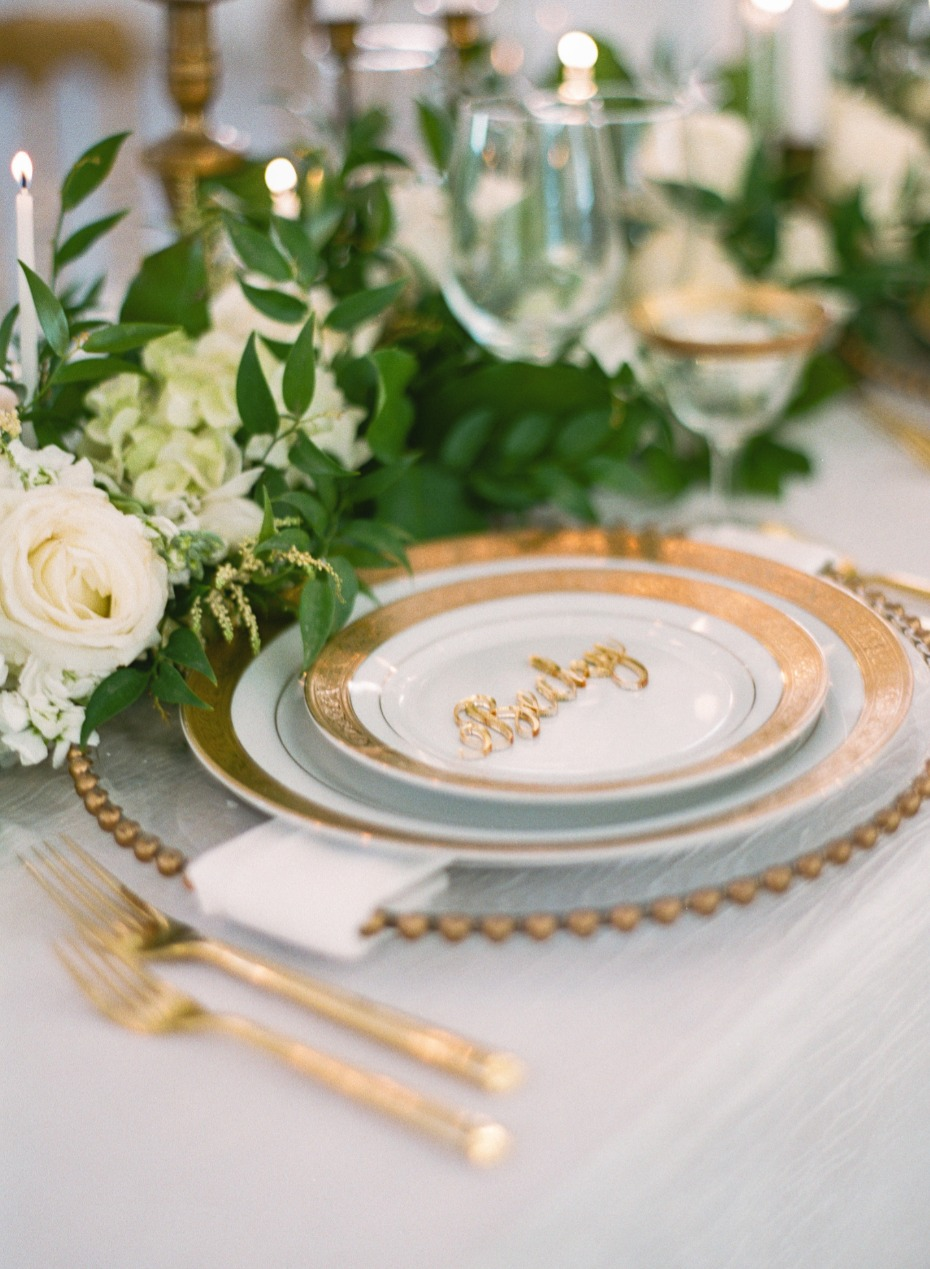 gold glam style for your place setting