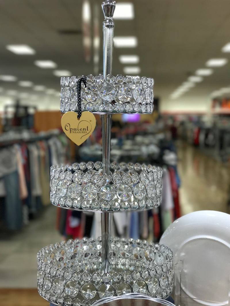 Opulent Treasures is an inspiring site to shop for our chandelier cake stands, dessert stands, metal cake stands, candelabras, chandeliers