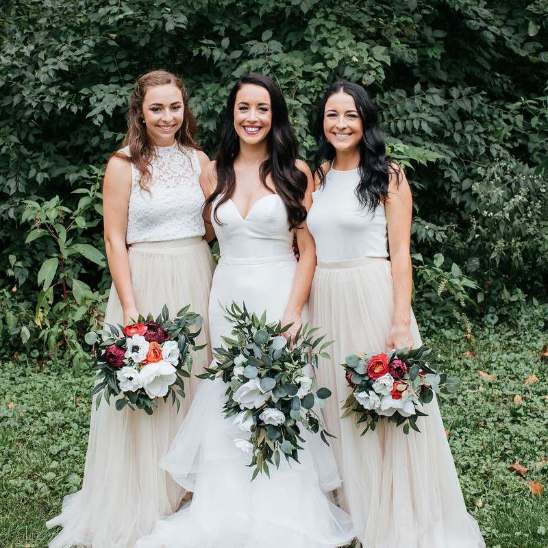 The best things in life are neutrals, tulle, & bridesmaids.👯♀️