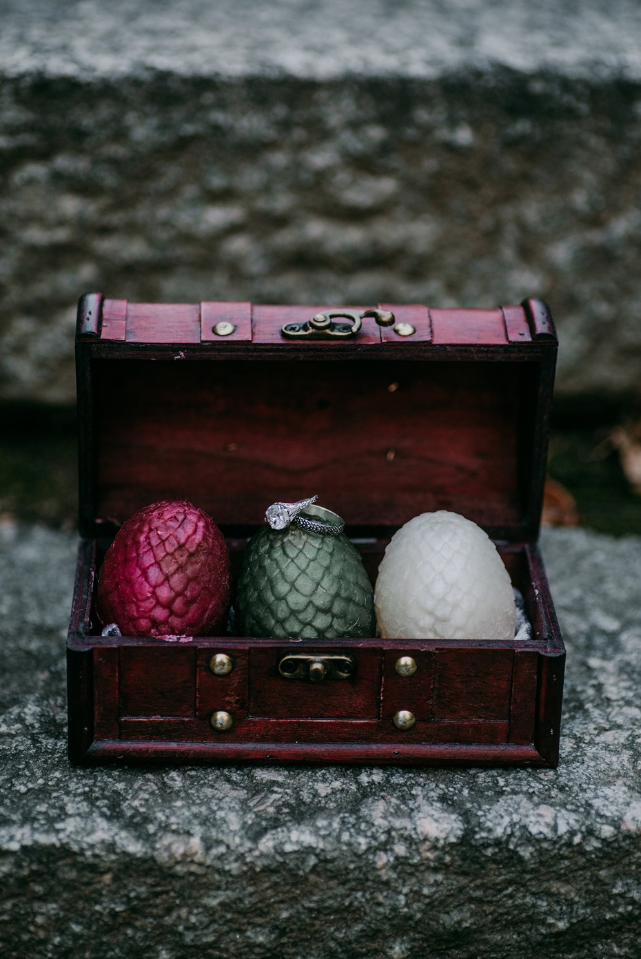 dragon egg candles for your game of thrones wedding favors
