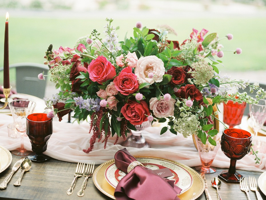 Valentine's day centerpiece in red and pink