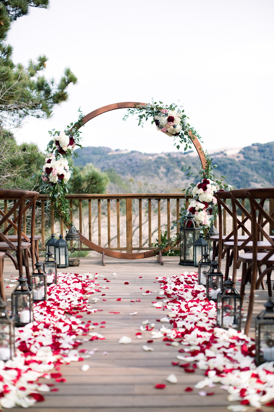 romantic modern style wedding ceremony decor