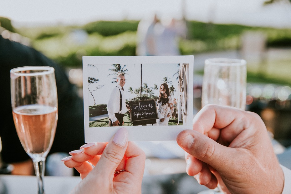 Cute polaroid guestbook idea
