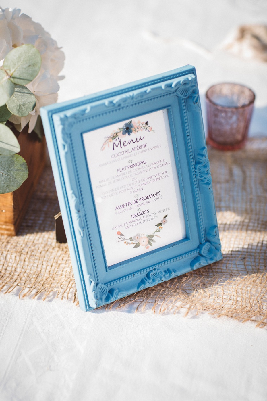 Framed menue for tables