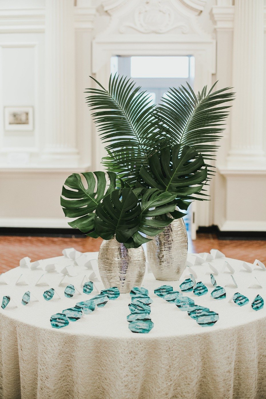 Palm place card table with watercolor cards