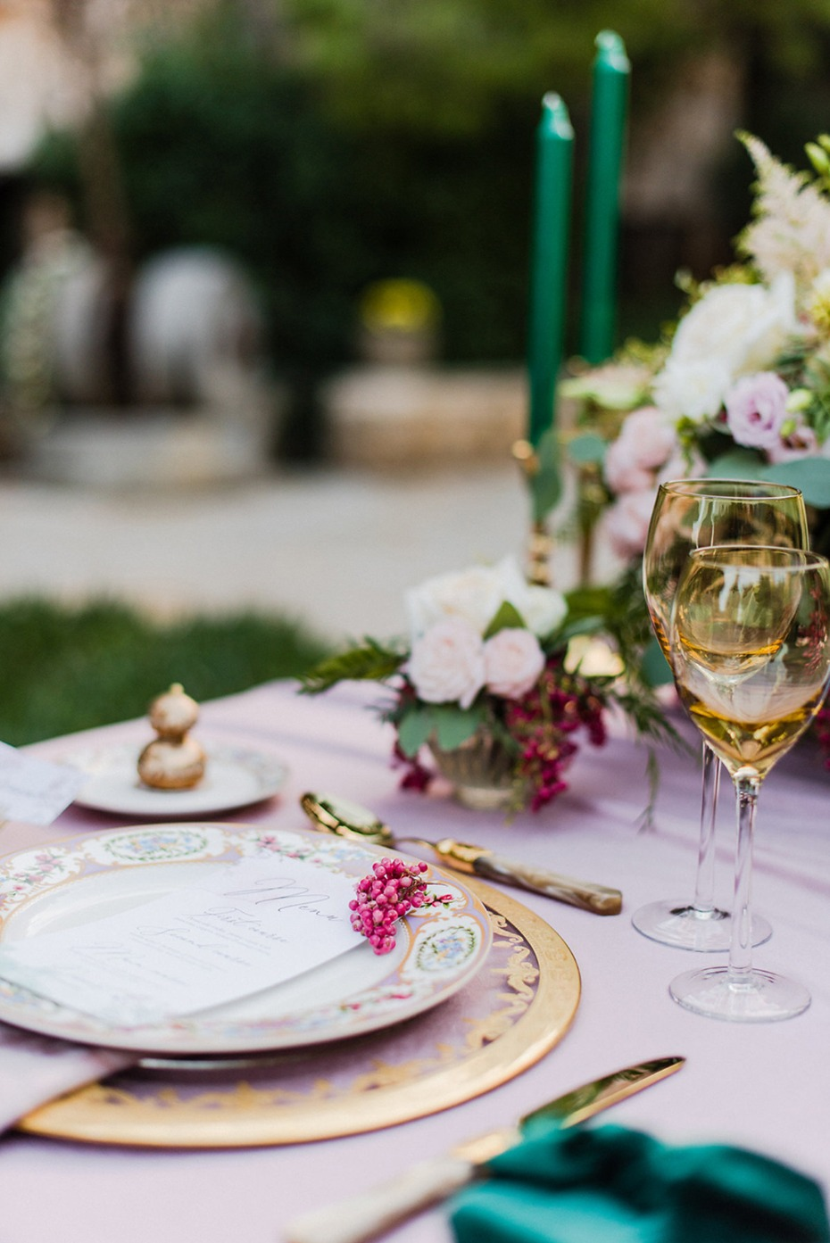 rose pink gold and emerald green table decor