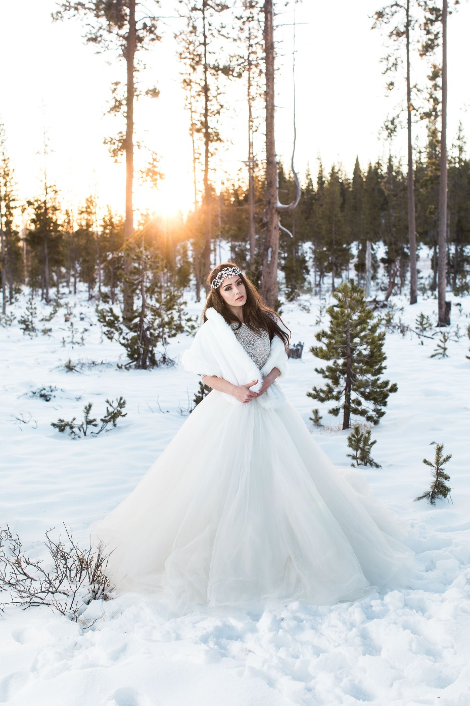 Glam bride in the snow