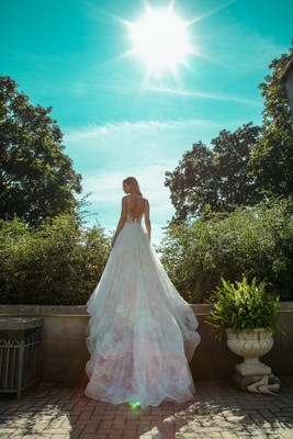 Calla Blanche Has Stylish Wedding Dresses for the Trendy Bride-to-Be