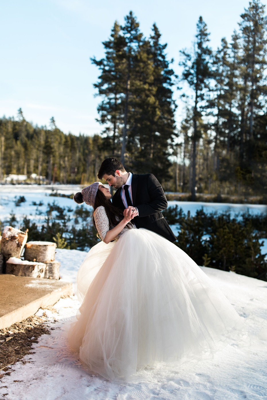 how to take winter wedding portraits