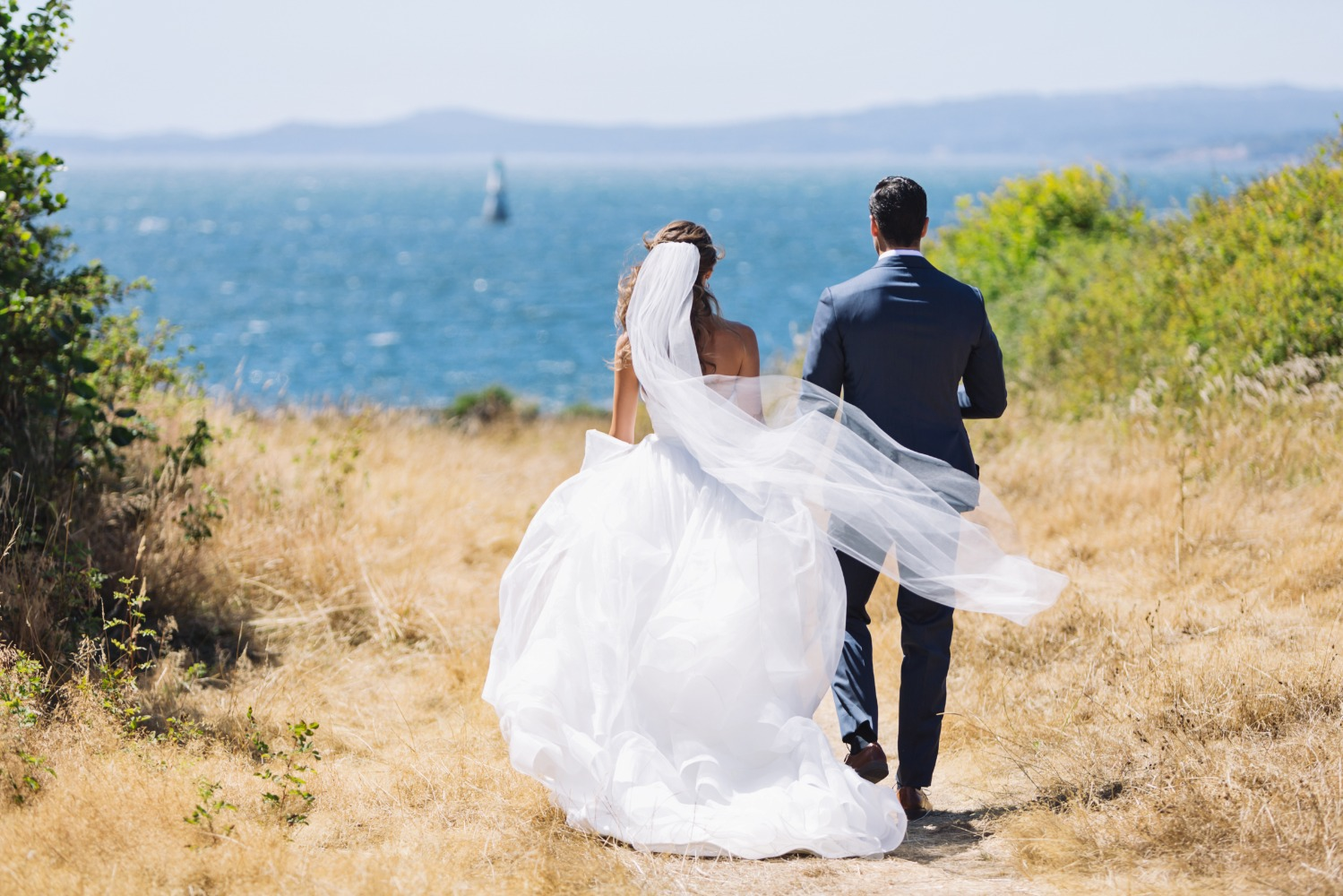Trending - 4 Reasons Pre-Owned Wedding Dresses are a Total \'I Do\' DO