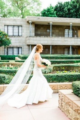4 Reasons Pre-Owned Wedding Dresses are a Total 'I Do' DO