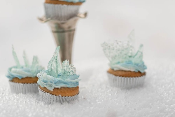 You Won't Want To Let Go Of These Frozen Inspired Wedding Ideas!