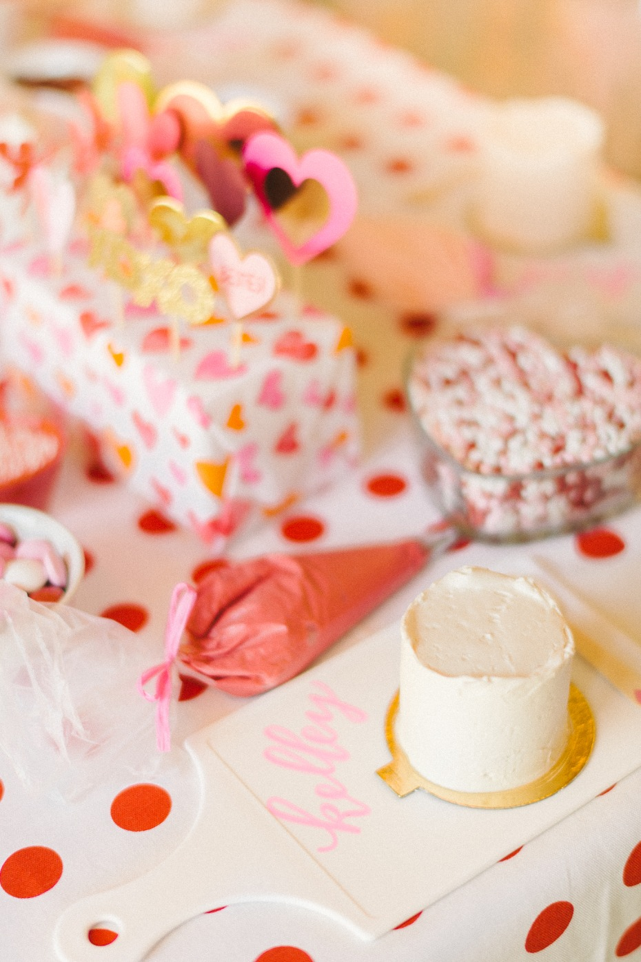 mini cake decorating table for your bridal shower