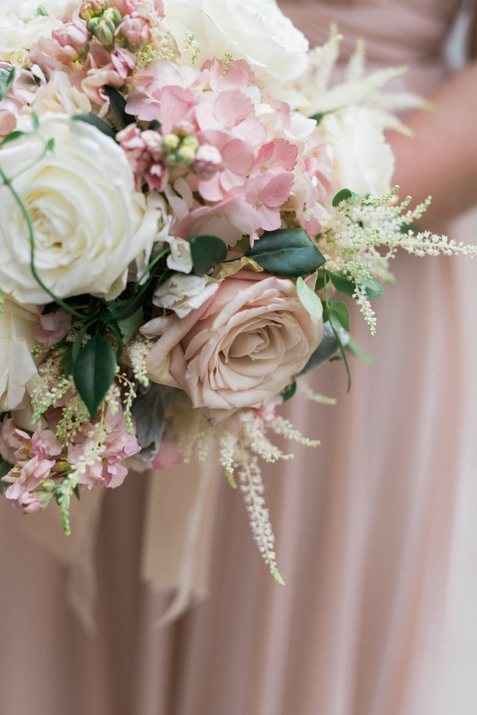 blush and ivory bridesmaid bouquet