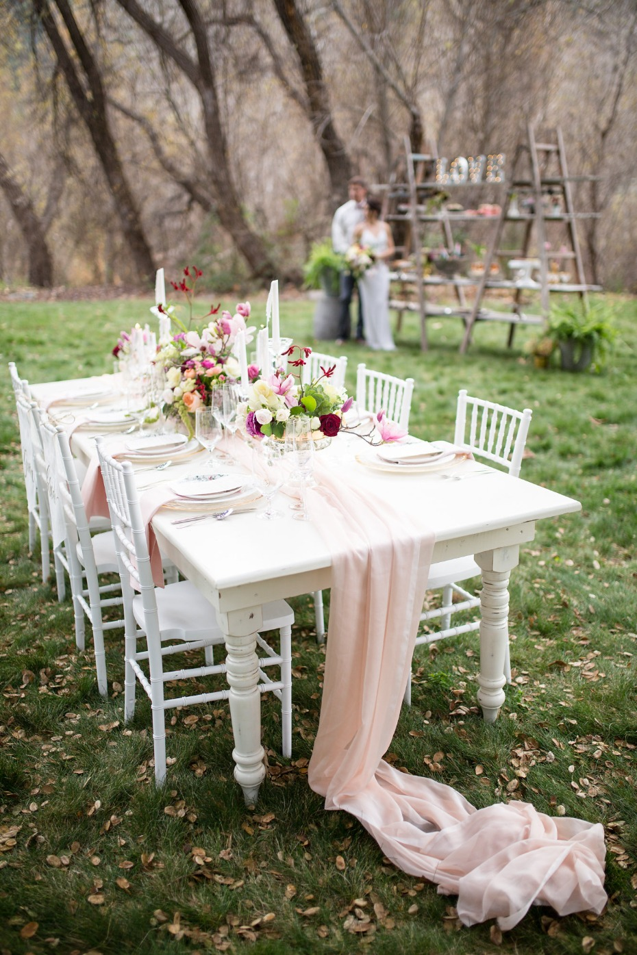 White and blush table decor