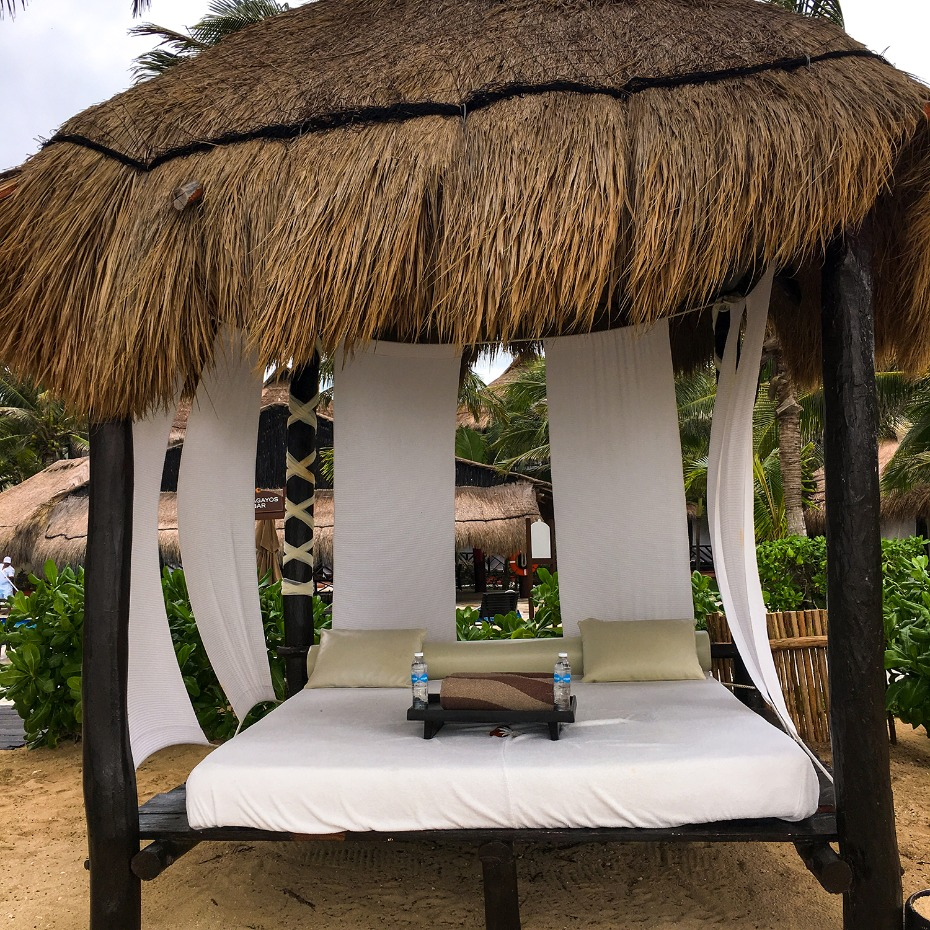 beach cabanas with drink service