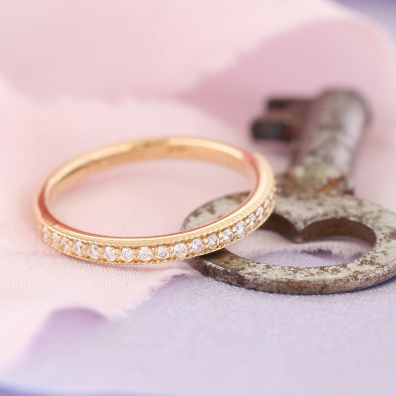 Shop vintage inspired diamond wedding bands by La More Design here ~ It's the key to any woman's heart!