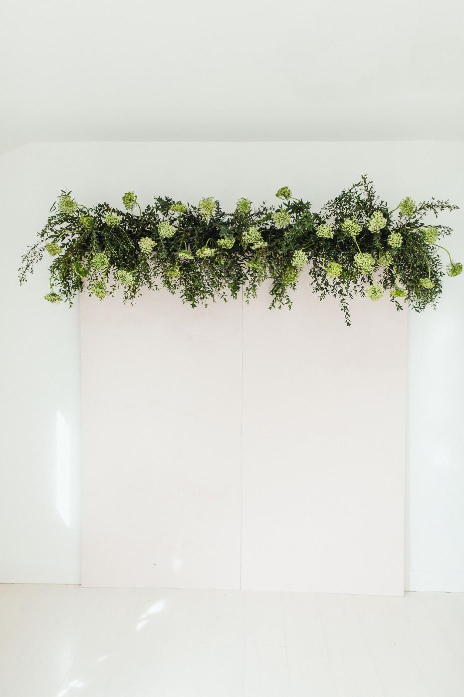 How to make a floral backdrop wall