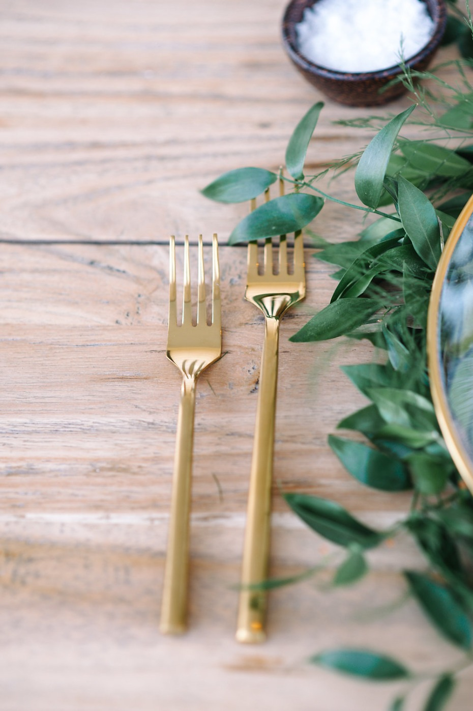 gold flatware for you wedding day
