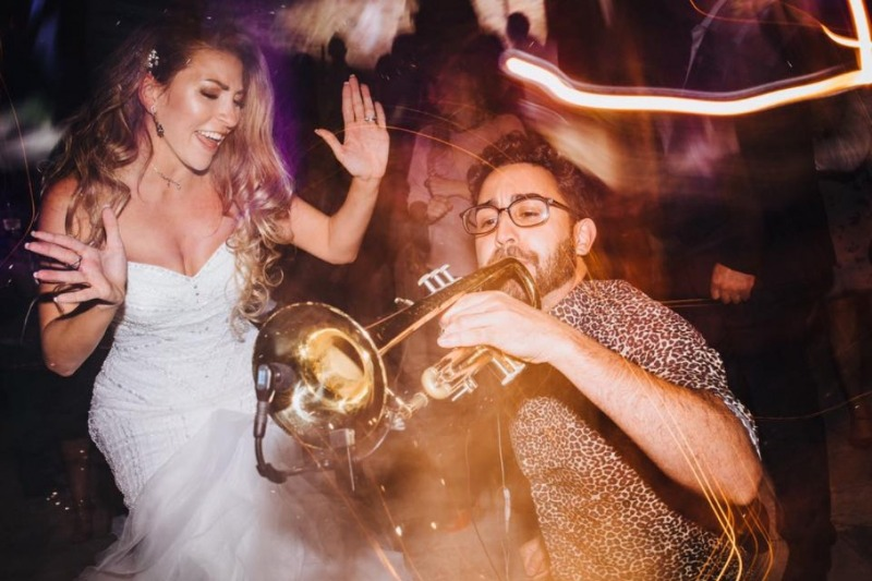 Make an impression on your big day with international show band Jam Hot. One of the world's premier contemporary wedding bands, Jam