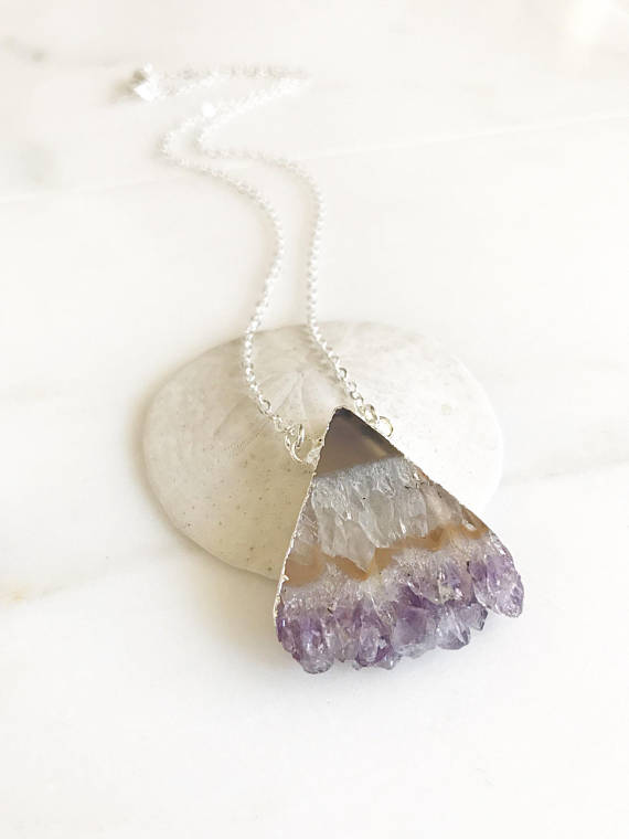 Raw Stone Jewelry. Raw Amethyst Necklace. Silver Raw Stone Necklace. Crystal Druzy Necklace. Geode Necklace. Druzy Jewelry. Stone Necklace
