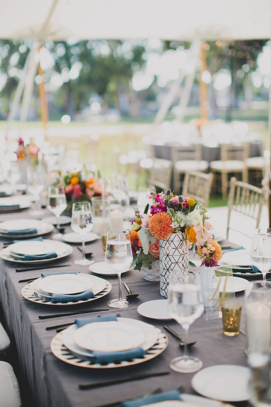 modern garden chic wedding table decor