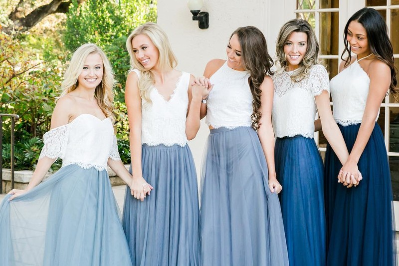 The most BLUUUtiful bridesmaids in the loveliest lace.💙💙💙