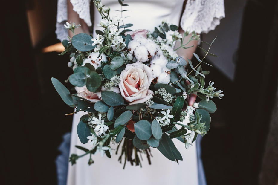 Rose and cotton bouquet
