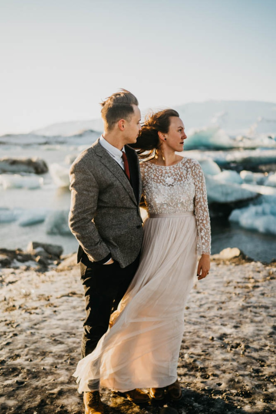 Beautiful elopement in Iceland