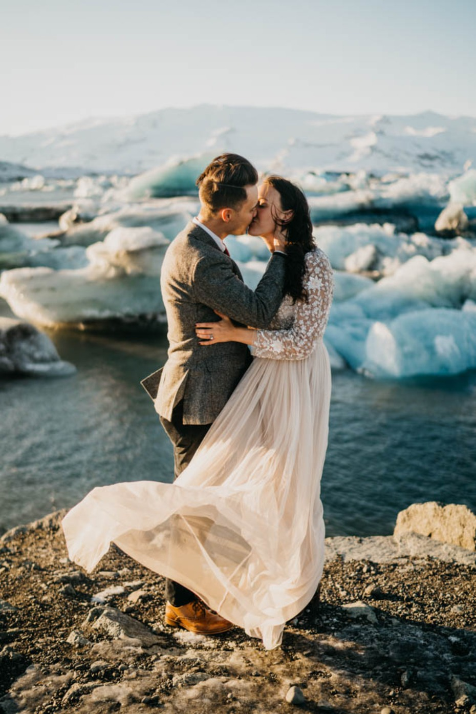 A wildly romantic elopement in Iceland