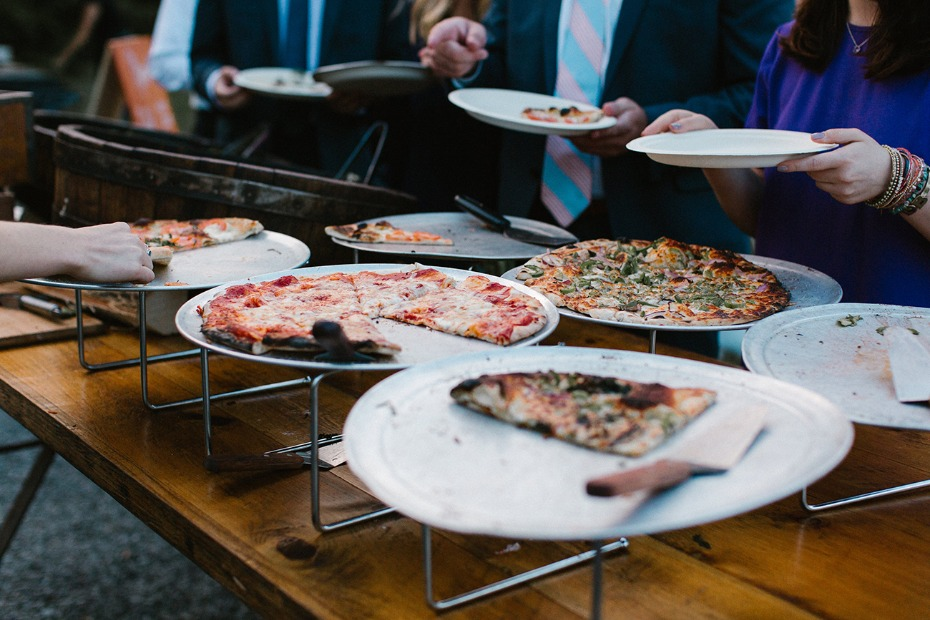 Have wood-fired pizza at your wedding