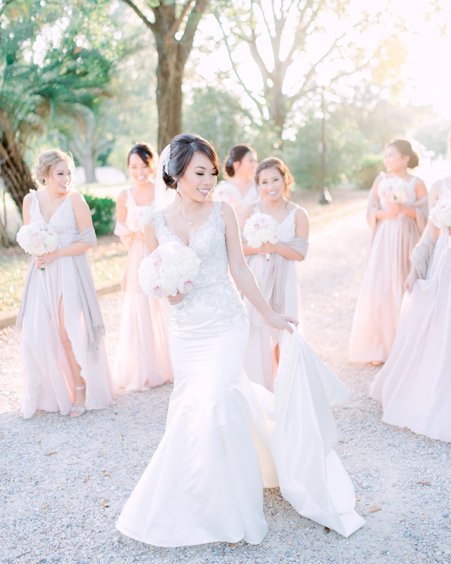 glamorous wedding look for the bride