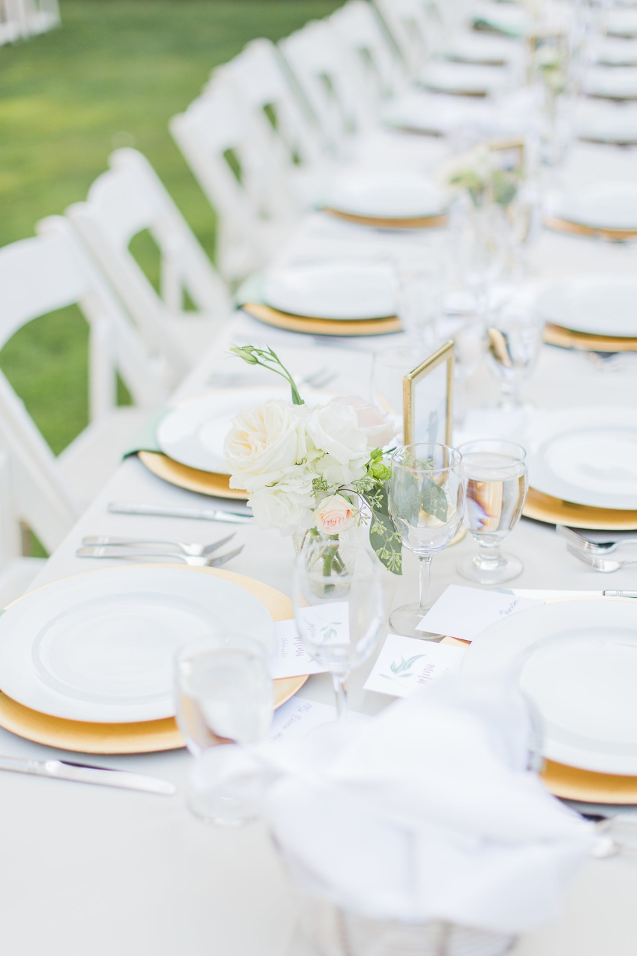 simple gold and white table decor