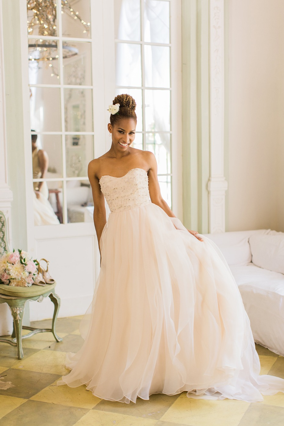 bride in strapless Jim Hjelm wedding dress