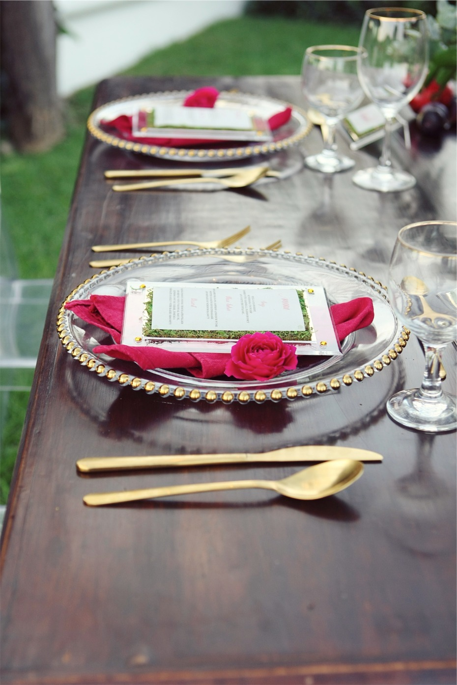 modern and trendy gold and pink place settings