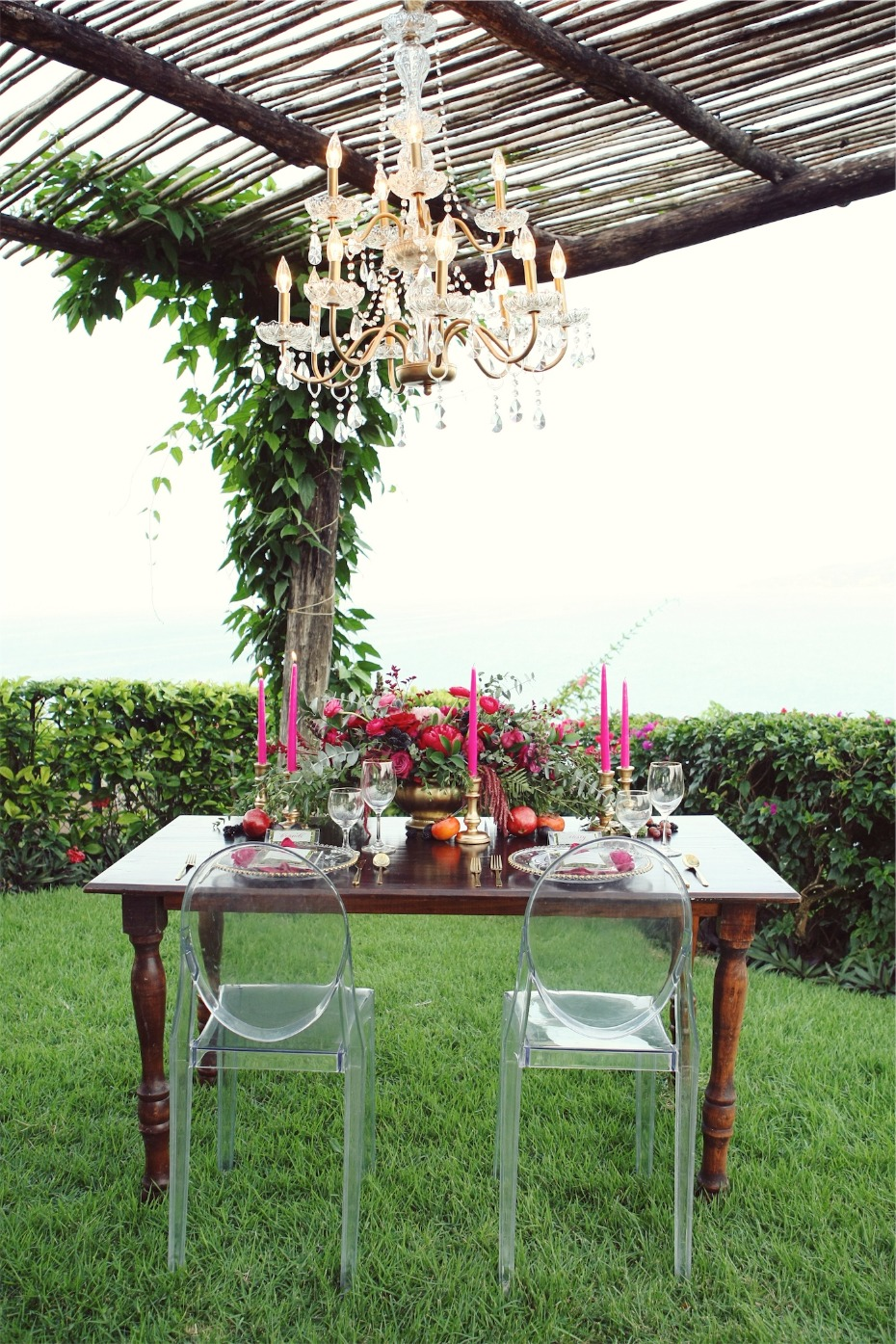 romantic boho chic sweetheart table