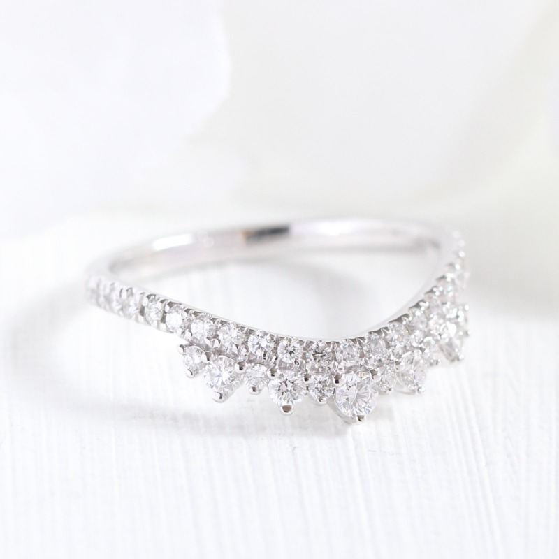 We have added our curved crown diamond wedding ring in white gold to our website! Shop now!