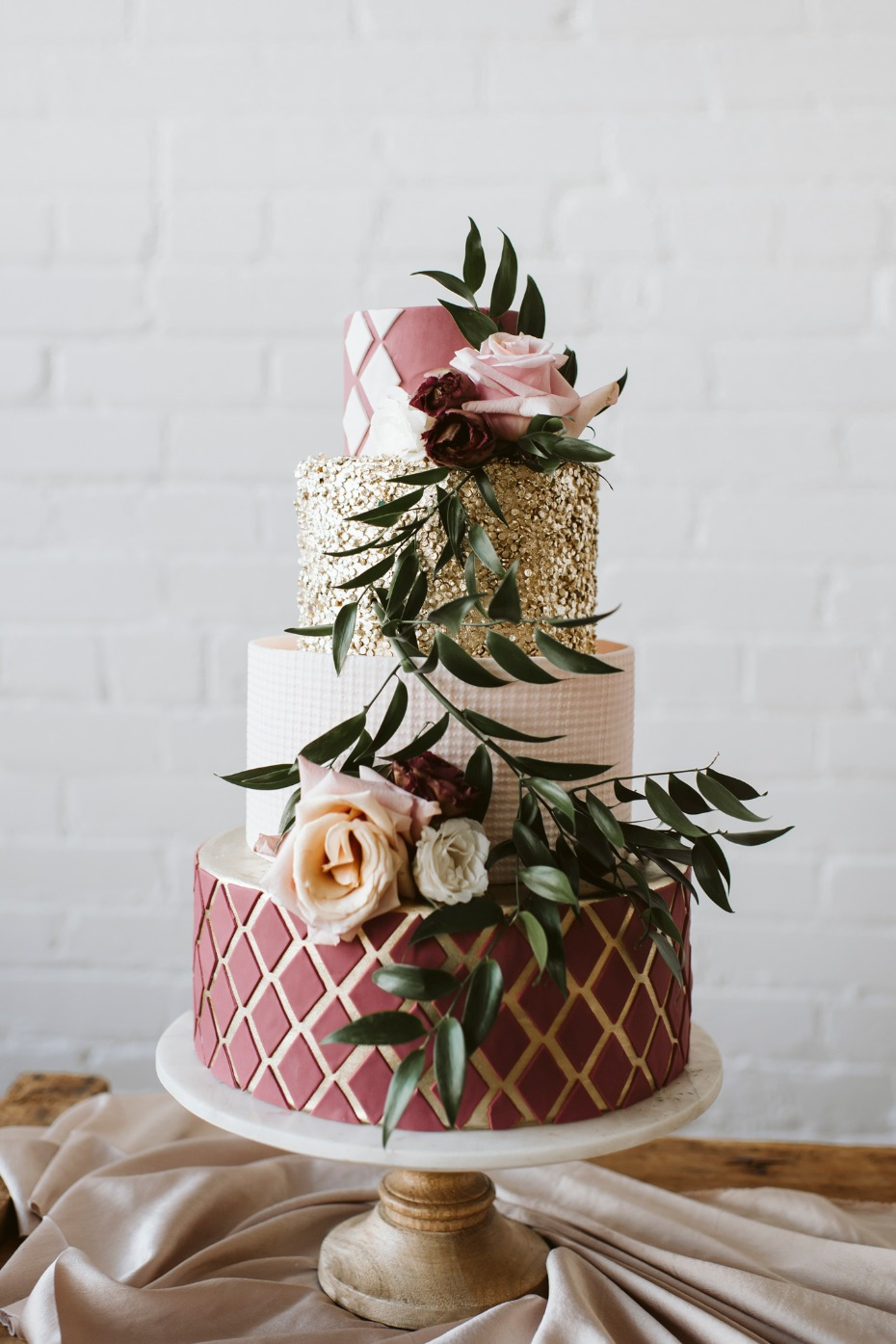 Gorgeous modern wedding cake