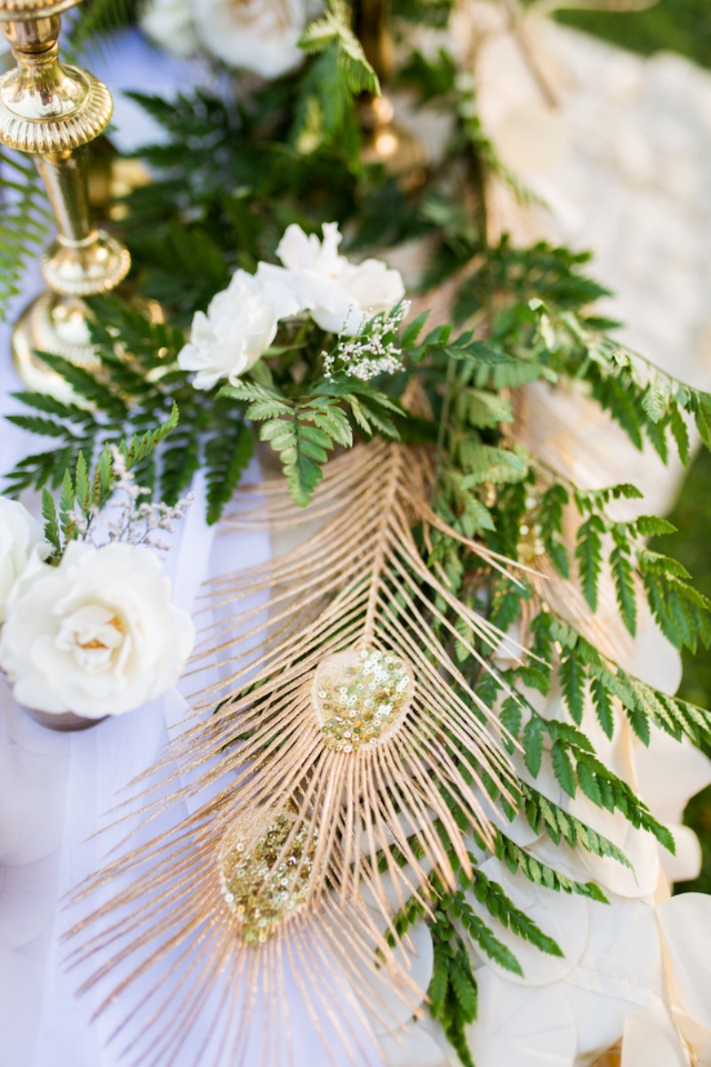 Add a touch of gold to your centerpieces to give a little bling!