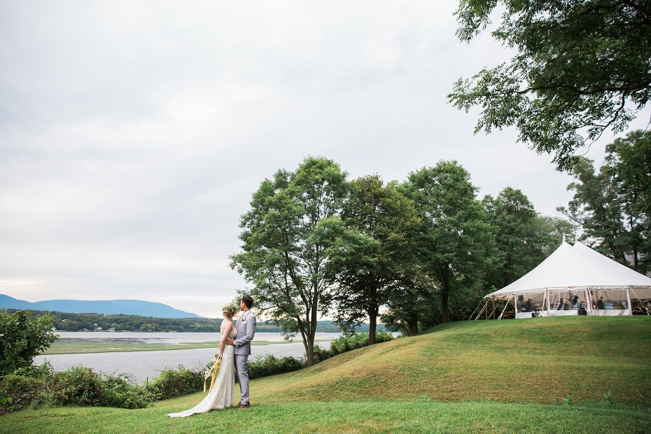 romantic wedding venue on the shore of the Hudson River