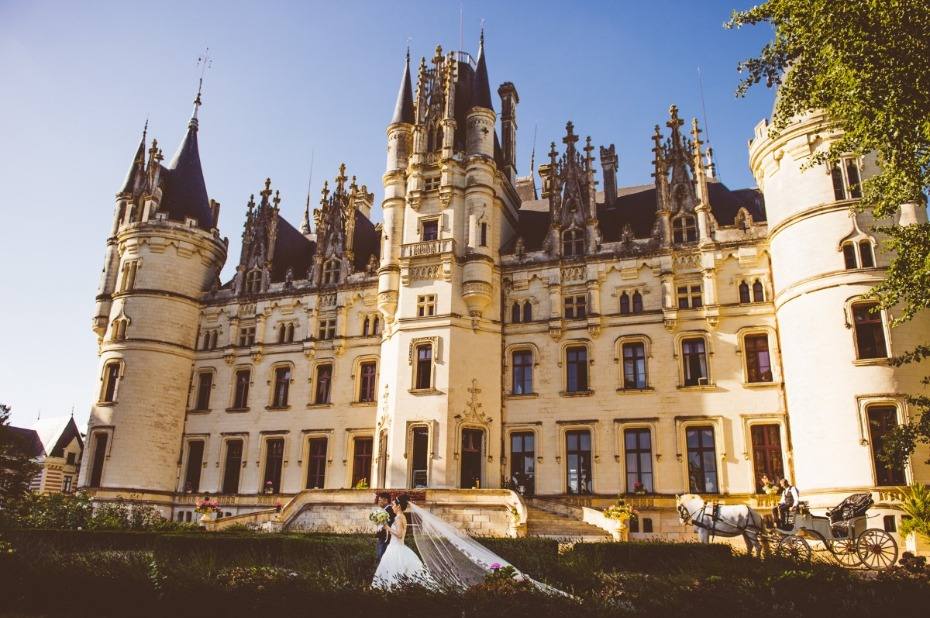 fairytale weddings happen at Chateau Challain