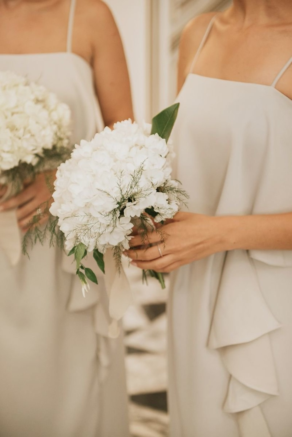 simple white wedding bouquets