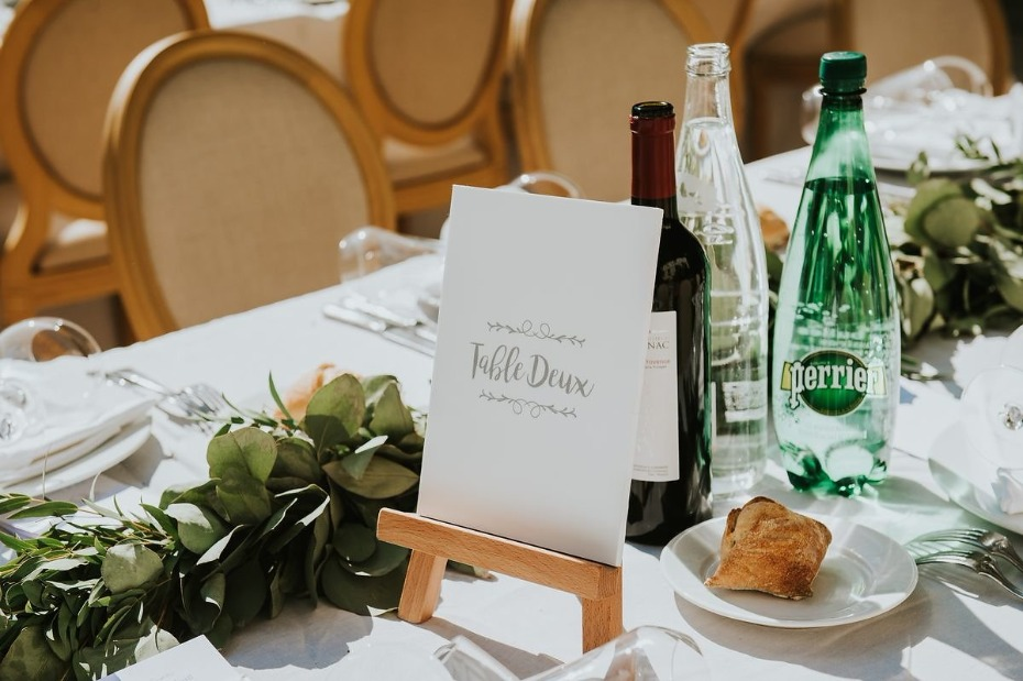 french table sign