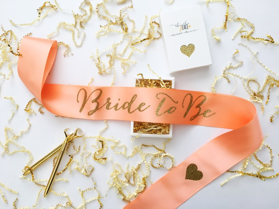 Bridal party details from Thistle and Lace