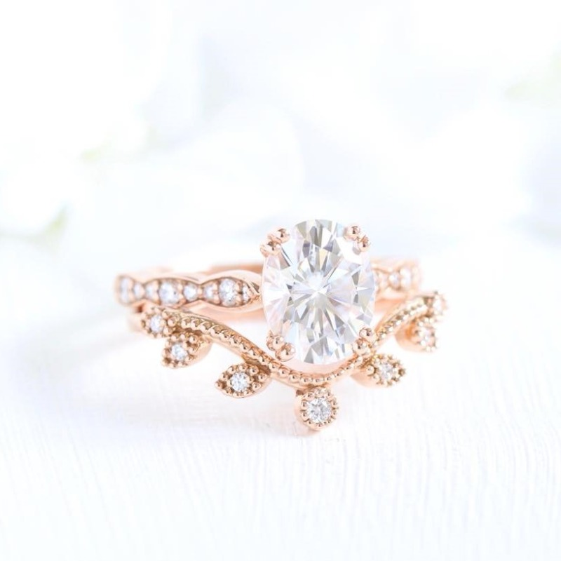 Shop La More Design's Grace Solitaire collection here! You can also find our curved wedding bands listed under Wedding Rings on our