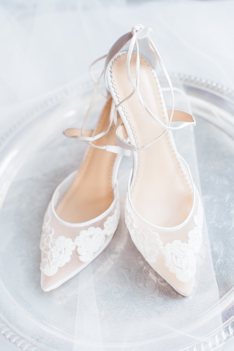 Our Amelia lace kitten heel photographed beautifully by @hillarymyelleck, worn by #bellabellebrides @emilyshofi on her stunning wedding