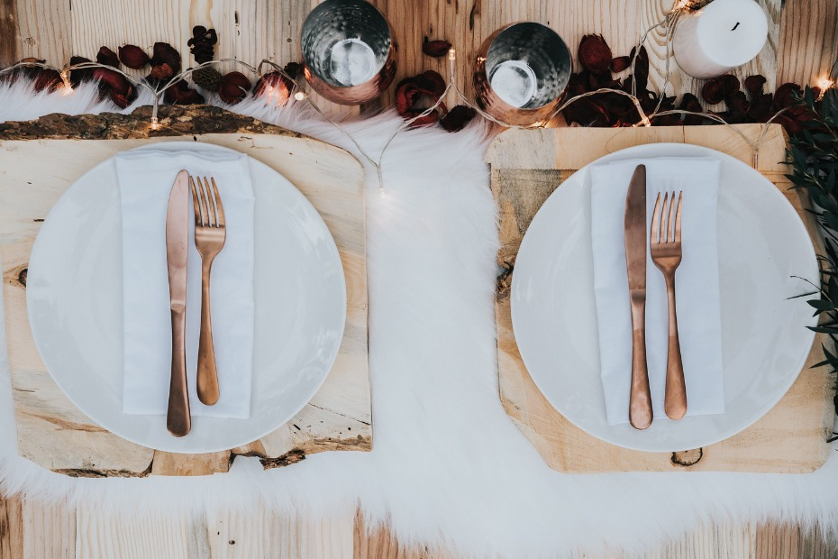 copper and rustic style wedding table decor