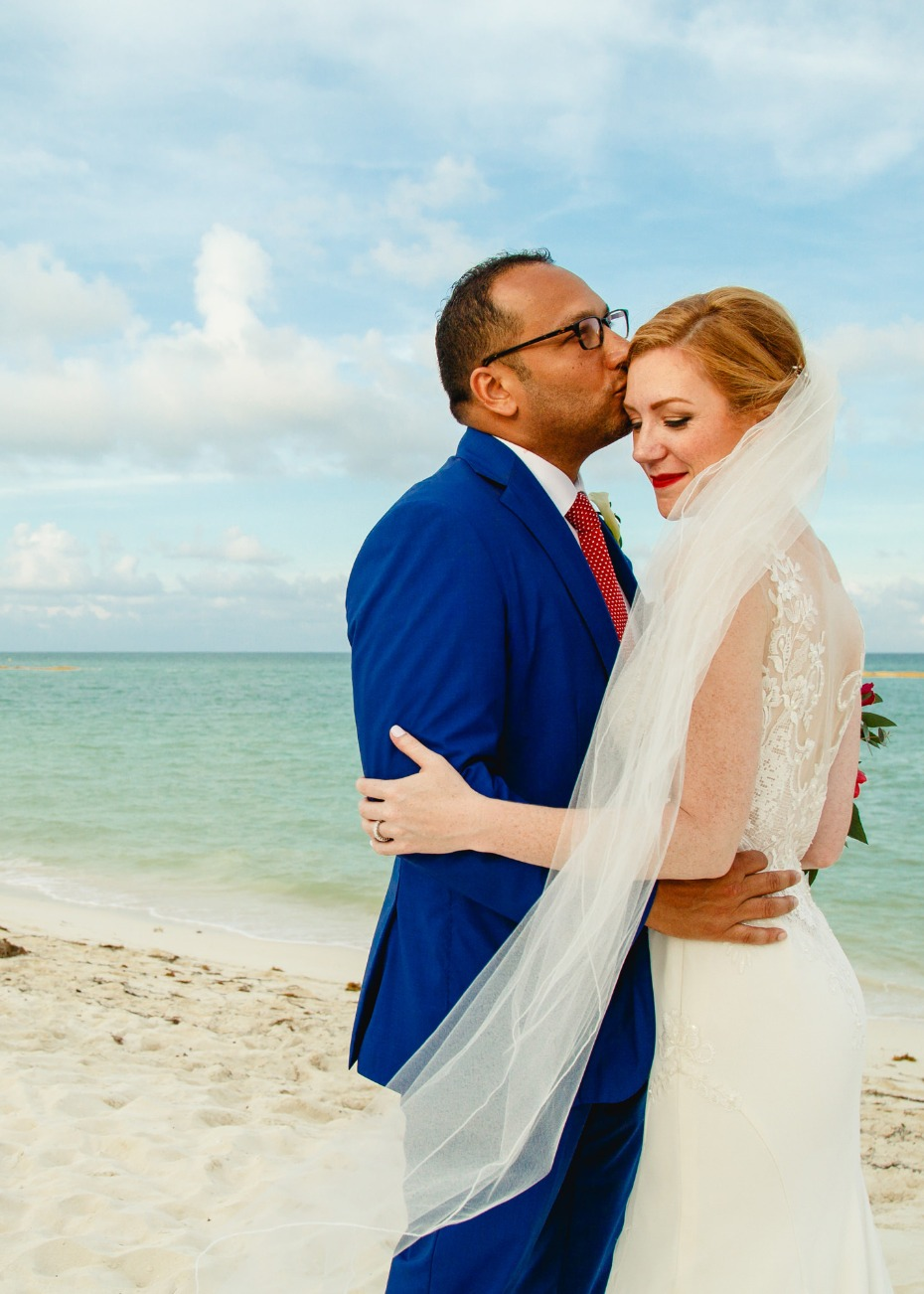 Romantic and colorful beach wedding in Mexico